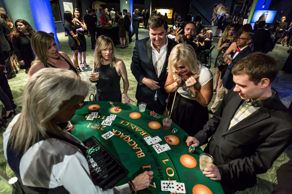 guests at blackjack table
